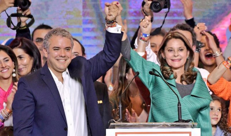 Wahlsieger Iván Duque mit der designierten Vize-Präsidentin Marta Lucía Ramírez in Kolumbien