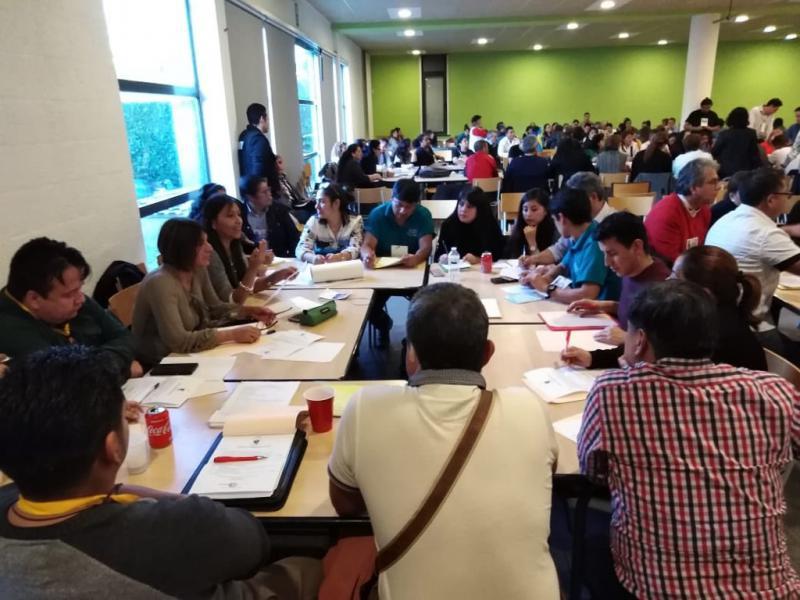 In Arbeitsgruppen wurden verschiedene Themenbereiche zur politischen Strategie, inhaltlichen Ausrichtung und den Möglichkeiten des Aufbaus von Parteistrukturen diskutiert