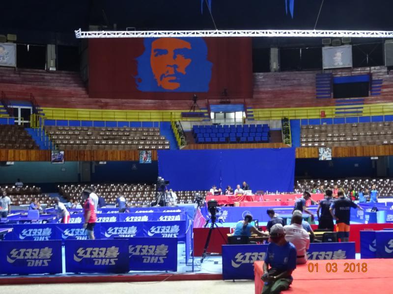 Bei den Lateinamerikanischen Meisterschaften im Tischtennis in Havanna, Kuba