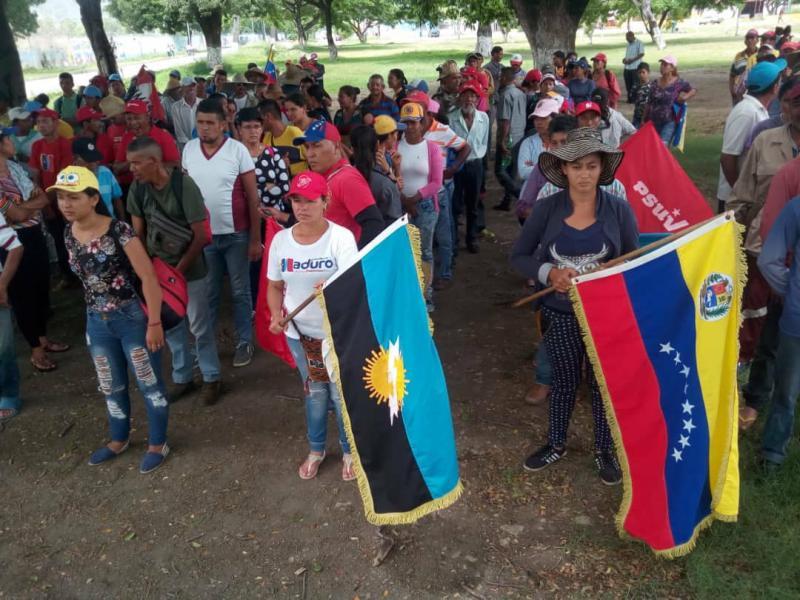 Am 16. Tag des Marsches schlossen sich Betroffene von Vertreibungen aus Sur del Lago im Bundesstaat Zulia dem Marsch an