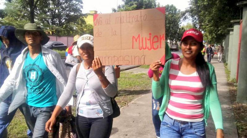 Kleinbäuerinnen fordern ein Ende der Gewalt gegen Frauen auf dem Land