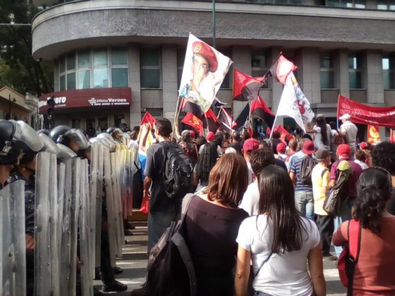 Die Avenida Urdaneta war jedoch unweit Miraflores von Sicherheitskräften abgeriegelt
