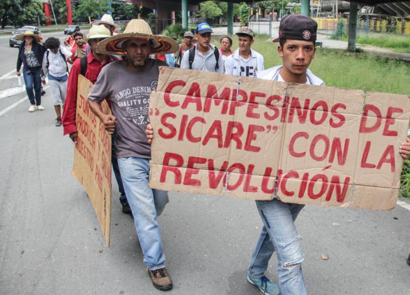Die Marschierer betonten immer wieder ihre Verbundenheit mit der bolivarischen Revolution