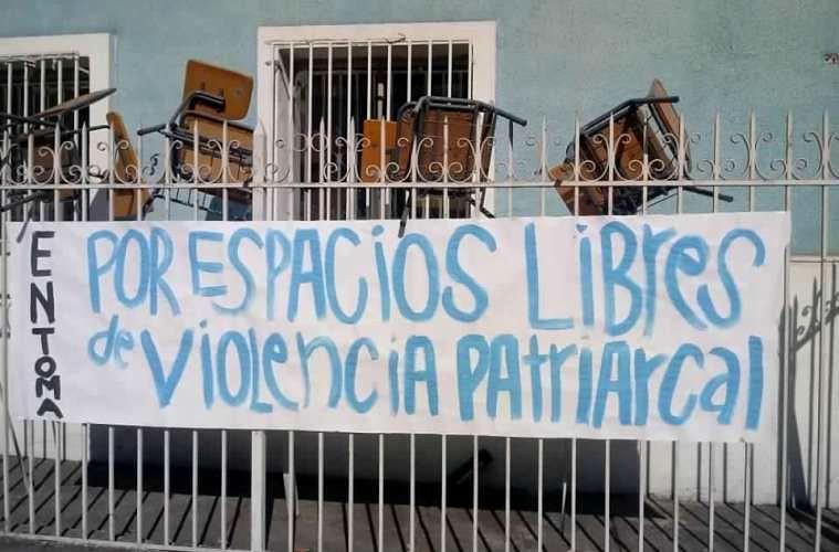 """""""Für Räume, die frei sind von patriarchaler Gewalt"""": Studentinnen halten Universitäten in Chile besetzt"""