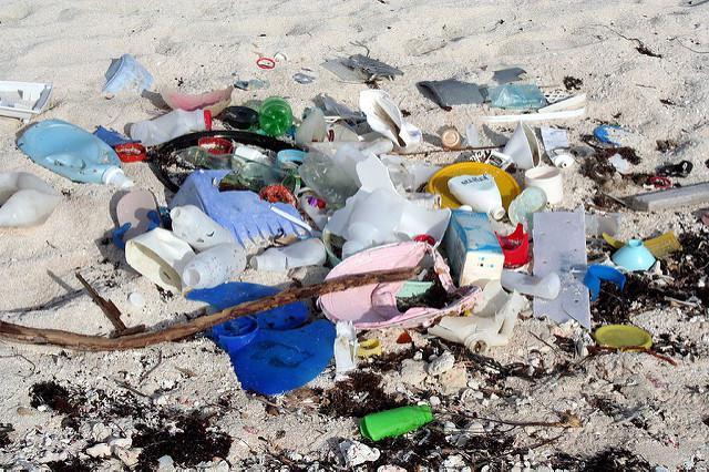 Verschiedene Länder aus der Karibik und Zentralamerika werden Einwegplastik in Zukunft verbieten