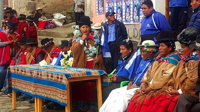 Eröffnung des Wahlkampfbüros und Vorstellung der Kandidaten der MAS in der Provinz Muñecas Municipio Ayata im Departamento La Paz