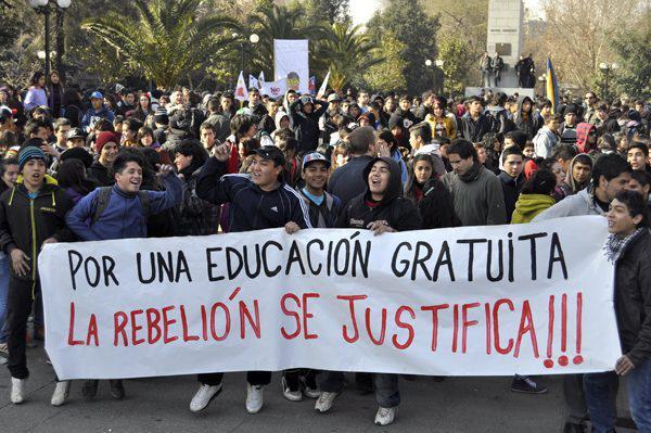"""Chile: """"Für kostenlose Bildung ist  die Rebellion gerechtfertigt"""""""