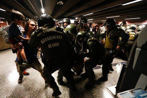 Militärpolizei im Einsatz in den Metrostationen