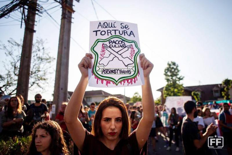 """Hier wird gefoltert"" - Protest gegen Folter an Demonstranten durch Soldaten"