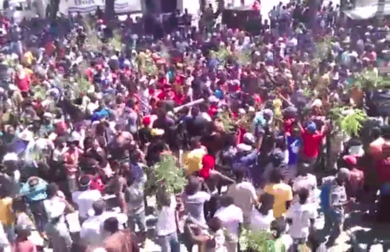 Seit Wochen protestiert die Bevölkerung in Haiti (Screenshot)