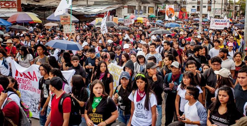 Auch in Popayan gehen Tausende auf di Straße