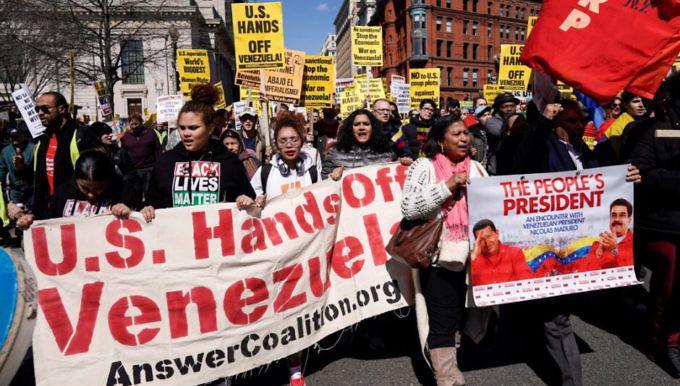 Demonstration am 16. März gegen Interventionismus und Krieg in Venezuela in Washington ...