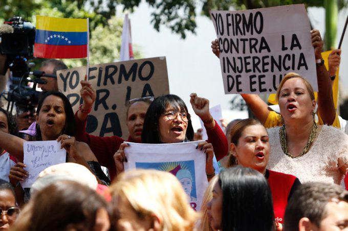 In Venezuela werden derzeit Unterschriften für diesen Brief von Präsident Maduro an die Bevölkerung der USA gesammelt