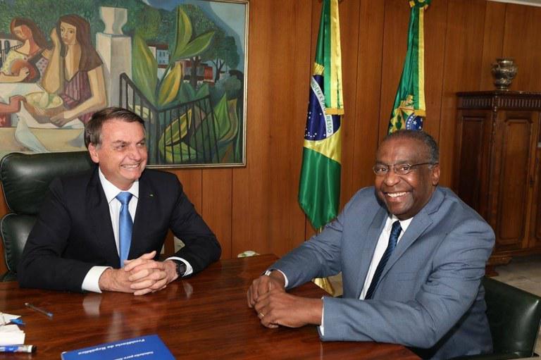 Kein gutes Vorbild für Brasiliens Schüler: der neue alte Bildungsminister Carlos Alberto Decotelli hat kopiert und Titel erfunden.