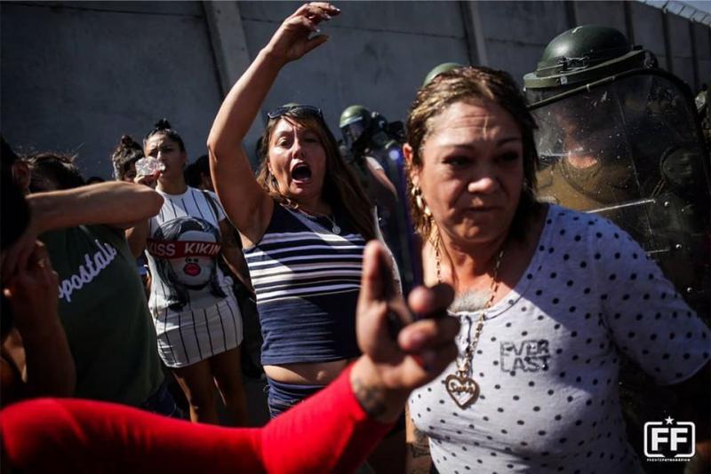 Proteste gegen die Politik der Regierung, die nur die Reichen und die Unternehmen vor der Pandemie schützt