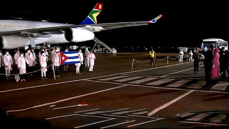 Im Einsatz gegen Covic-19: Die kubanische Medizinerbrigade bei der Ankunft in Südafrika im April 2020
