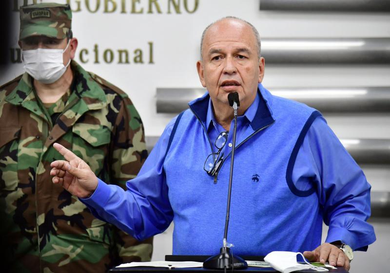 """Arturo Murillo, der Innenminister der Putschregierung, rüstete zunächst auf und droht nun allen, die """"Chaos stiften wollen"""""""