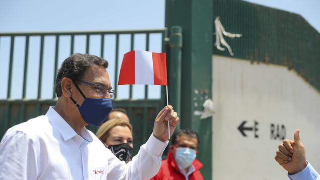 Ließ sich, seine Frau und seinen Bruder bereits vor Monaten impfen: Ex-Präsident Martín Vizcarra