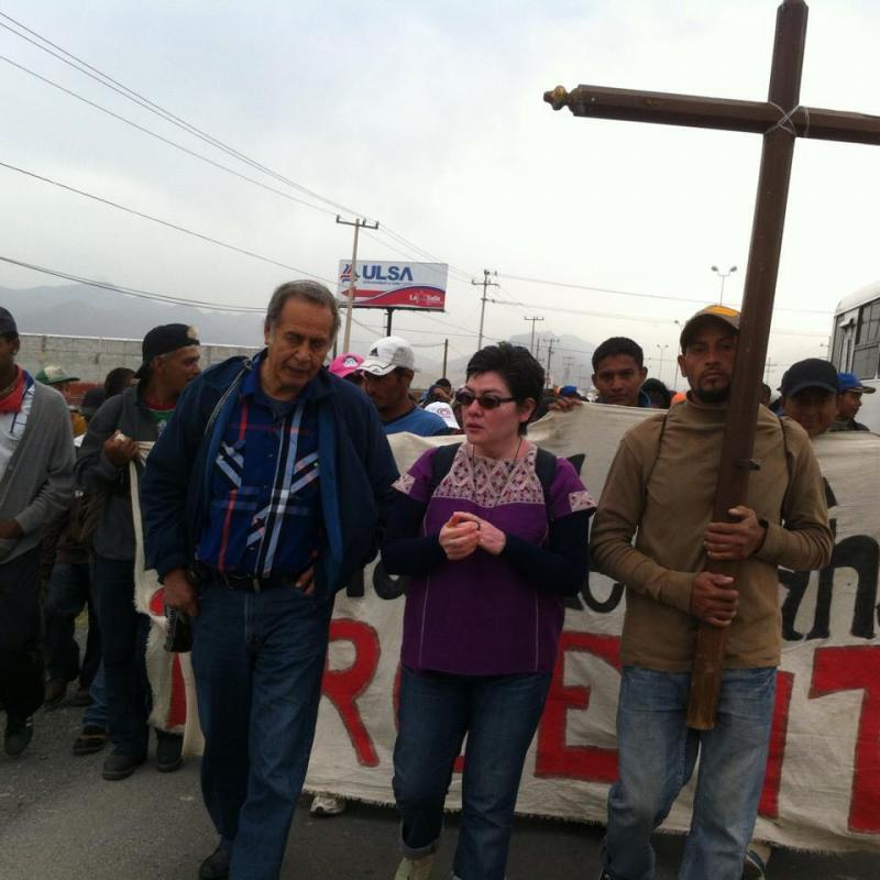Solidarität mit der Flüchtlingskarawane. Mit Padre Pedro Pandoja, der im Dezember an Covid-19 verstarb