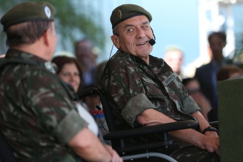 """Gibt ganz gelassen zu, dass er gegen Dilma Rousseff und Lula da Sulva """"die ganze Zeit konspiriert hat"""": Ex-Heereschef Villas Bôas"""