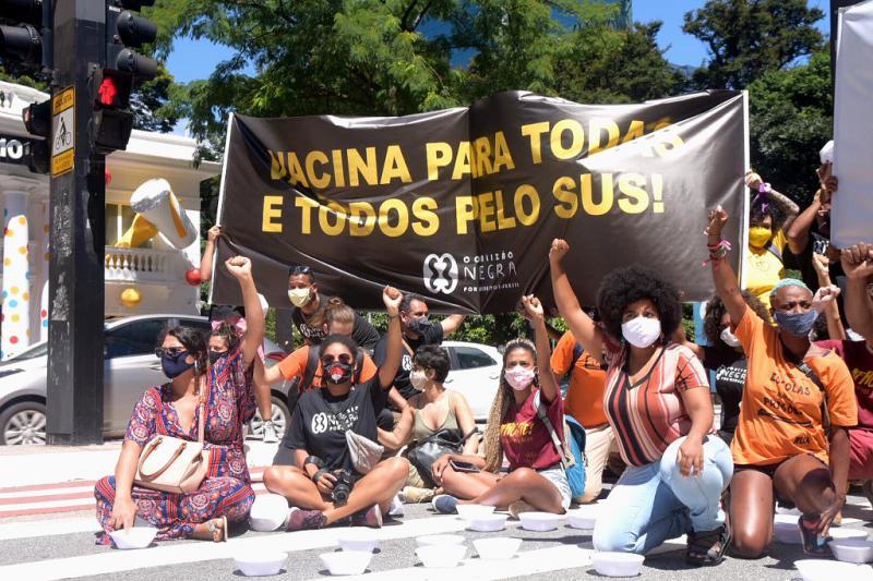 """""""Impfung für alle"""" ist eine der Forderungen der Proteste"""