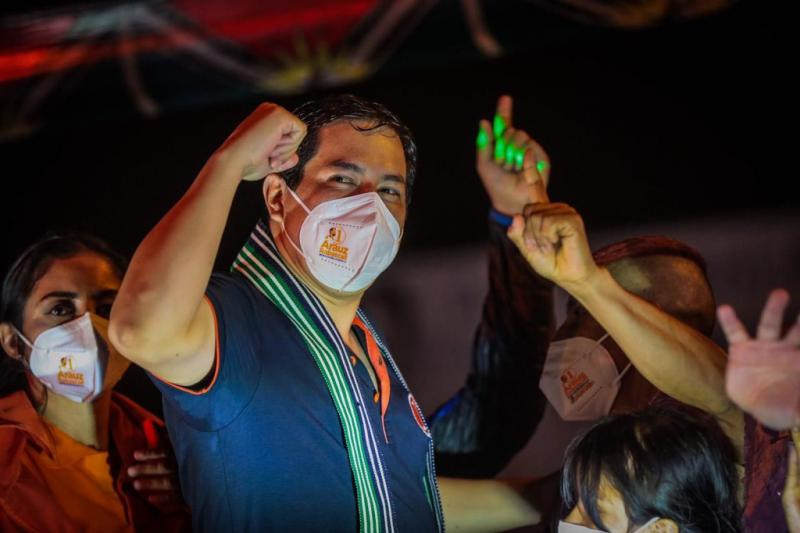 Unes-Kandidat Andrés Arauz beim Wahlkampf unter Corona-Bedingungen