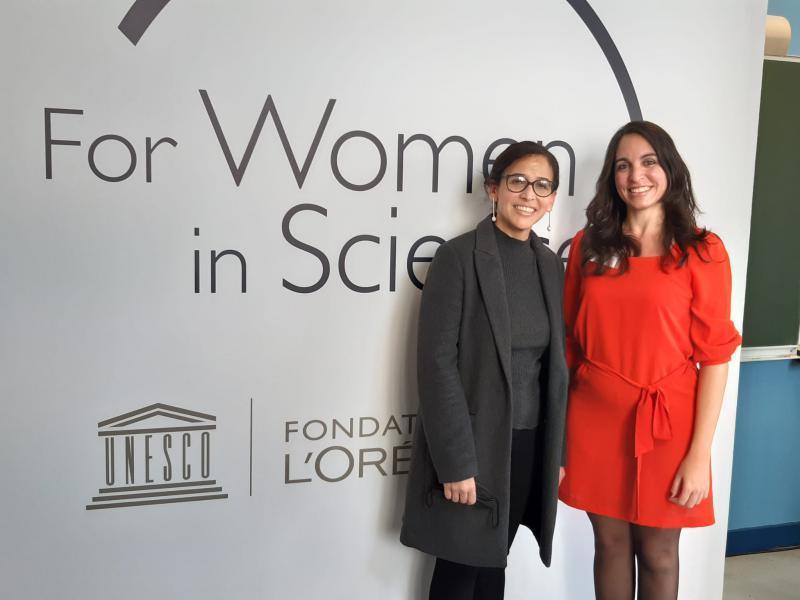 Kubas Botschafterin bei der Unesco, Yahima Esquivel, mit Gladys Gutiérrez Bugallo (rechts) bei der Preisverleihung