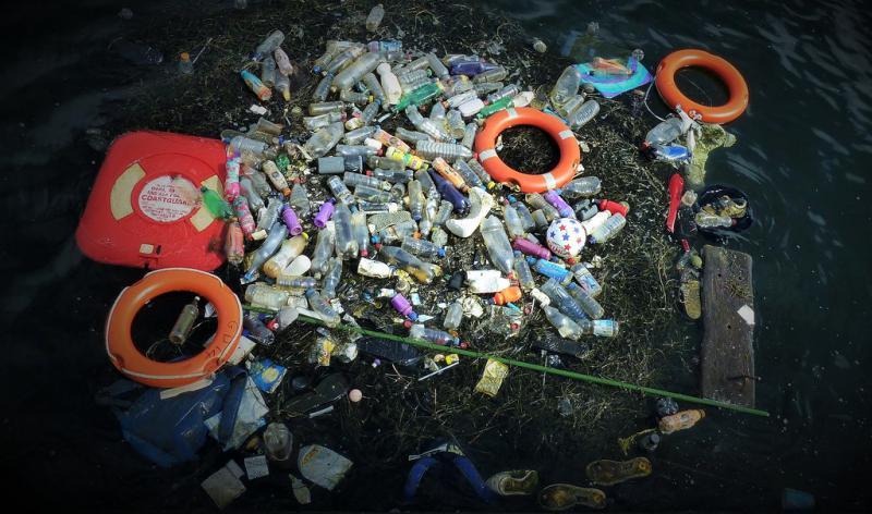 Plastik ist neben der Fischerei die größte Bedrohung für die Umwelt rund die Galapagosinseln