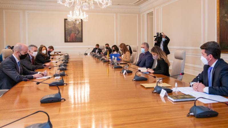 Eine hochrangige US-Delegation hat sich zu Gesprächen in Bogotá aufgehalten