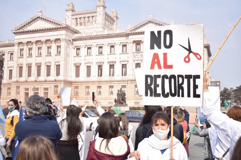 Demonstrant:innen auf dem Plaza Primero de Mayo