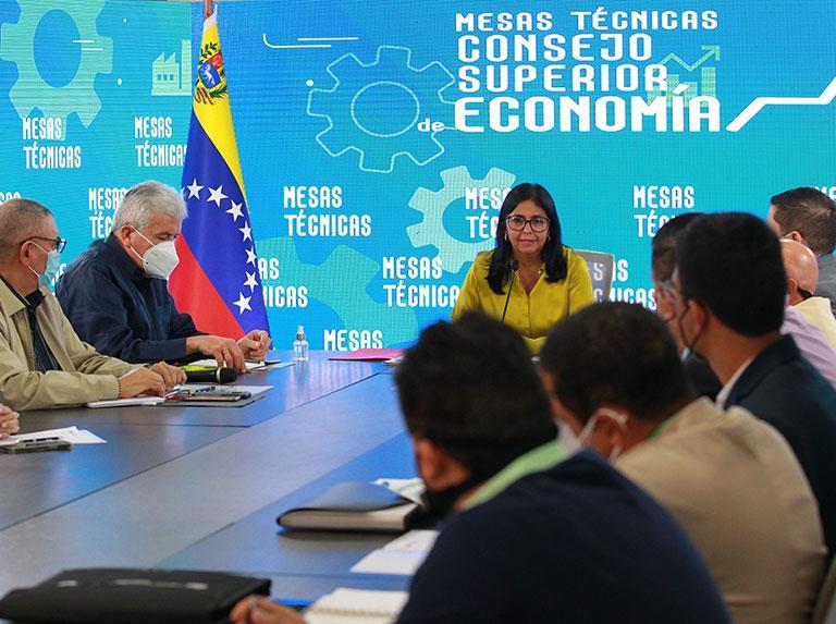 Vizepräsidentin Rodríguez beim Arbeitstreffen mit Wirtschafts-und Regierungsvertretern am 3. August
