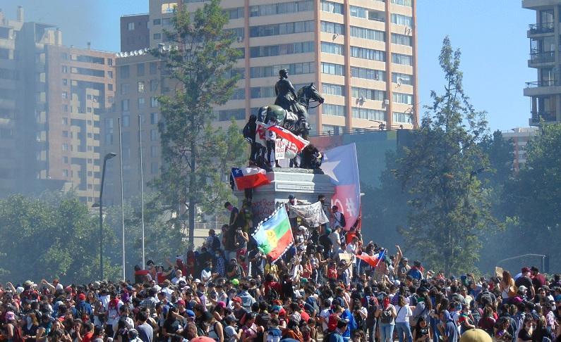 Nach Massenprotesten - Chiles Präsident will alle Minister auswechseln