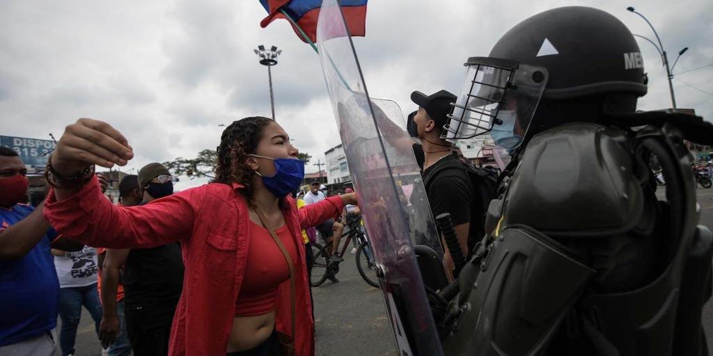 """Kolumbien brennt: Es geht nicht um """"Steuerreform"""", es geht um Hunger und Würde"""
