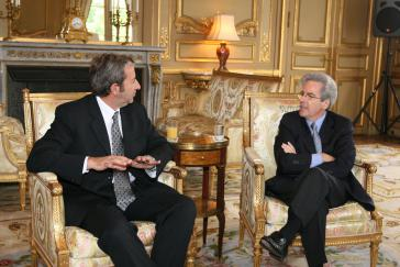 US-Diplomat Arturo Valenzuela (re.) mit Vizepräsidenten Julio Cobos (li.)