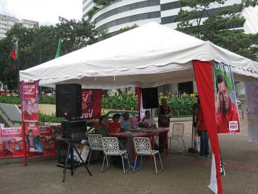 PSUV-Stand auf dem zentralen Platz von Altamira