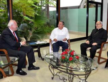 Treffen in Havanna: Moratinos, Castro, Ortega (v.r.n.l.)