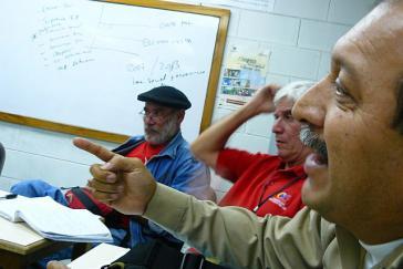 Im Vordergrund Elio Sayago – Arbeiterpräsident von ALCASA, einer nationalisierten Aluminiumfabrik in Ciudad Guayna
