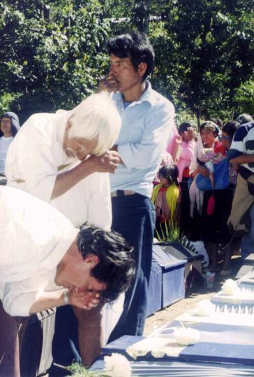 Beerdigung der Opfer des Massakers von Acteal