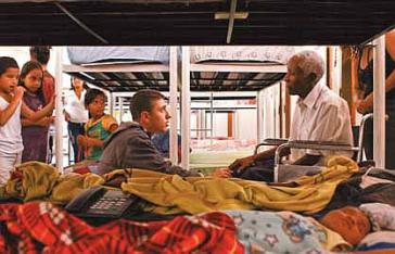 Unwetter-Opfer in Notunterkünften in der Militärkaserne Fuerte Tiuna