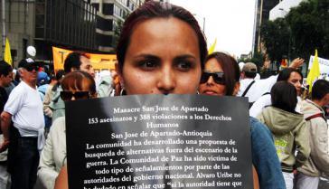 Protest gegen Terror der Paramilitärs in Kolumbien