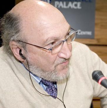 Aram Aharonian ist Journalist, Direktor der Zeitschrift Questión und Mitbegründer des Fernsehsenders Telesur