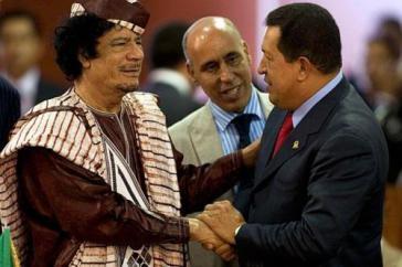 Gaddafi und Chávez während des letzten Besuches des venezolanischen Präsidenten in Libyen