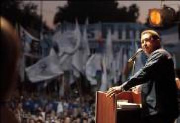 Chávez nimmt Rodolfo-Walsh-Preis entgegen