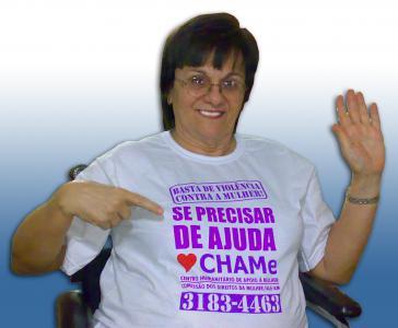 """""""Stopp die Gewalt gegen Frauen!"""": Kampagnenplakat der Comissão dos Direitos da Mulher."""