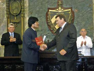 Evo Morales bei der Verleihung der Ehrendoktorwürde
