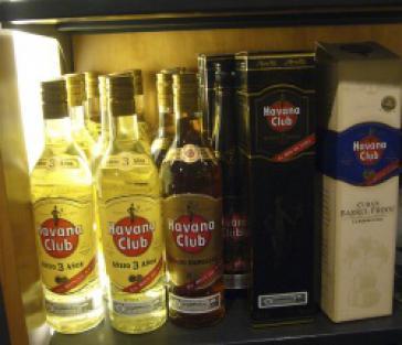 Rum aus Kuba: Juristischer und politischer Grundkonflikt ungelöst