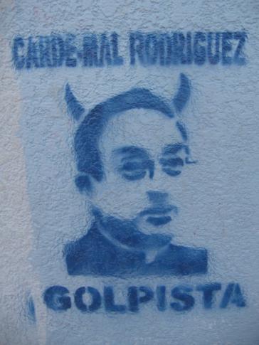 Graffito gegen Kardinal Rodríguez Maradiaga in Honduras