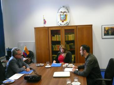 Von rechts nach links: Carlos Larrea, Ivonne Baki, Harald Neuber