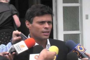 Leopoldo López vor Medien