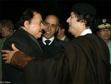 Ortega und Gaddafi in Libyen
